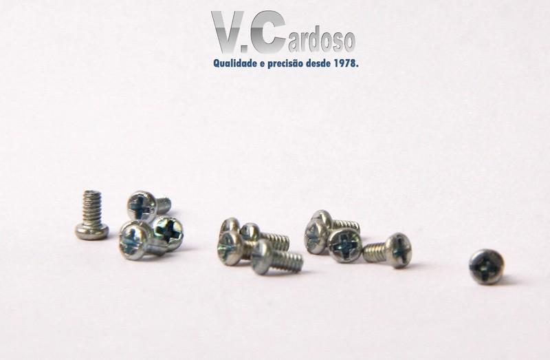 Fábrica de micro parafusos